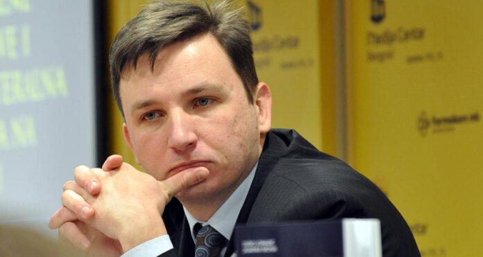 Između zova EU i naglašene okrenutosti Rusiji - CFP
